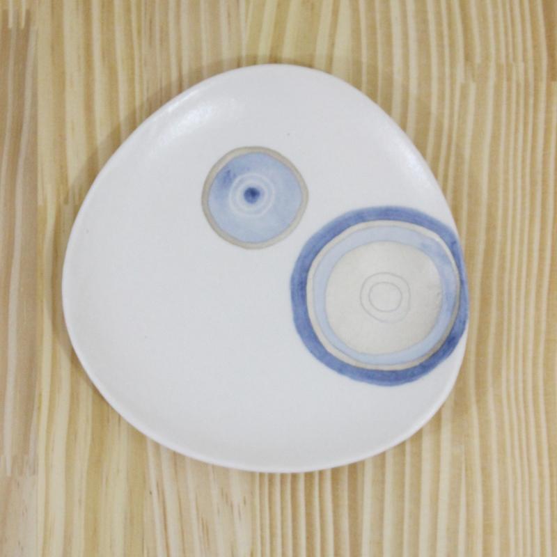 稲葉周子 △小皿 ホワイト2