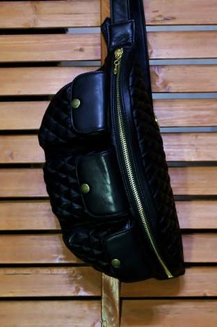 TT&CO.  ティーティー・アンドカンパニー 3ポケット 本革ショルダーバッグ ダイヤモンド Leather Bag 3psbd BLA…
