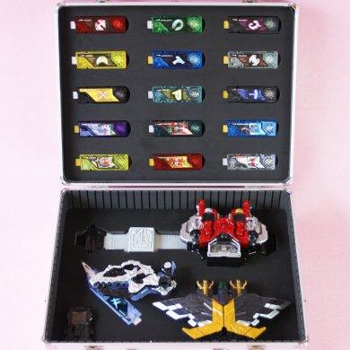 DXダブルドライバー&ガイアメモリ30個収納ケース
