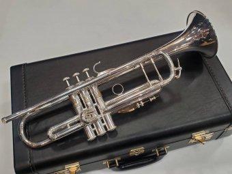 V.Bach NEW YORK MT.VERNON Bbトランペット Stradivarius ライトウェイト【T】