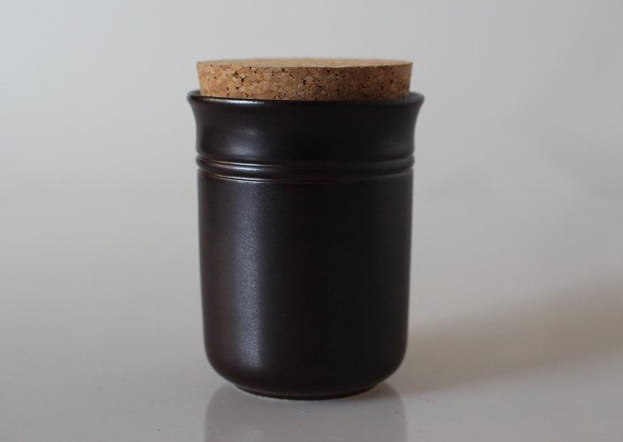 <img class='new_mark_img1' src='https://img.shop-pro.jp/img/new/icons8.gif' style='border:none;display:inline;margin:0px;padding:0px;width:auto;' />Hoganas Keramik コルク蓋のスパイスジャー