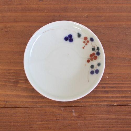 染付 木になる実の絵柄の小皿11.5cm