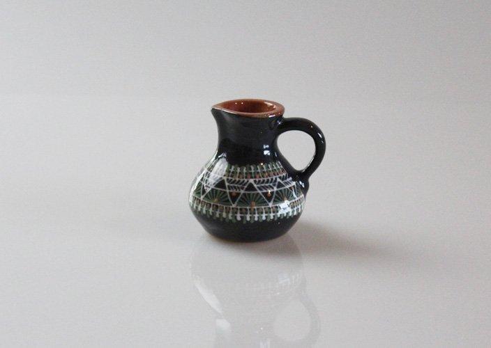 リトアニアの作陶家さんのハンドペイントのクリーマー(大)