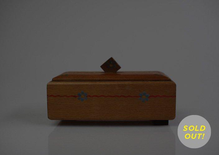 ドイツでみつけた木製の小物入れBOX