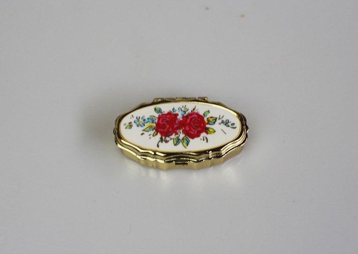 薔薇柄の裁縫セットbox
