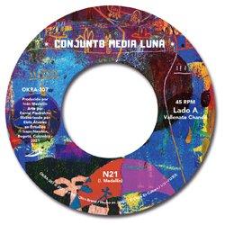 CONJUNTO MEDIA LUNA / N21