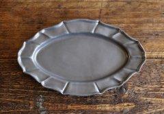 花リムオーバル皿(黒マット)