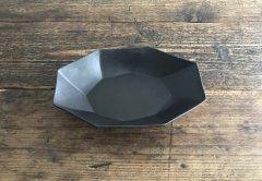 八角スパイラルオーバル鉢(黒マット)