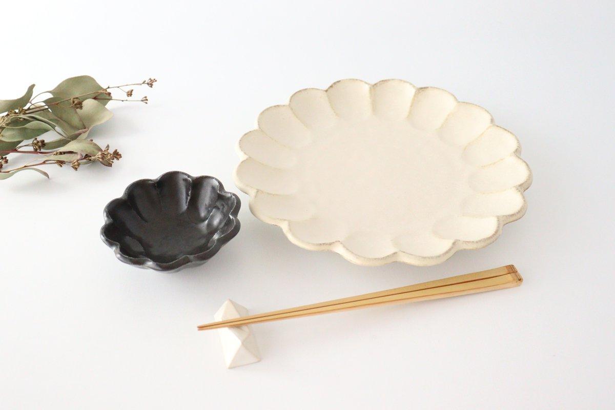 美濃焼 菊花 8寸皿 白 磁器 画像3