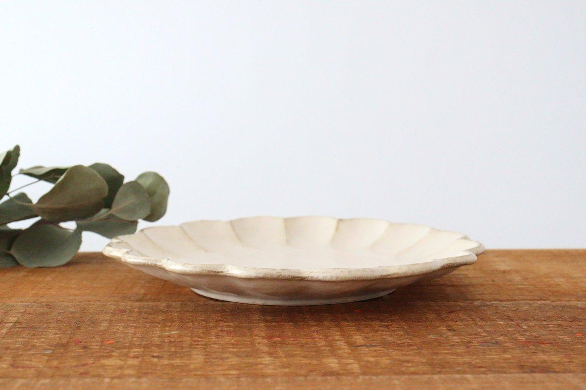美濃焼 菊花 8寸皿 白 磁器 画像4