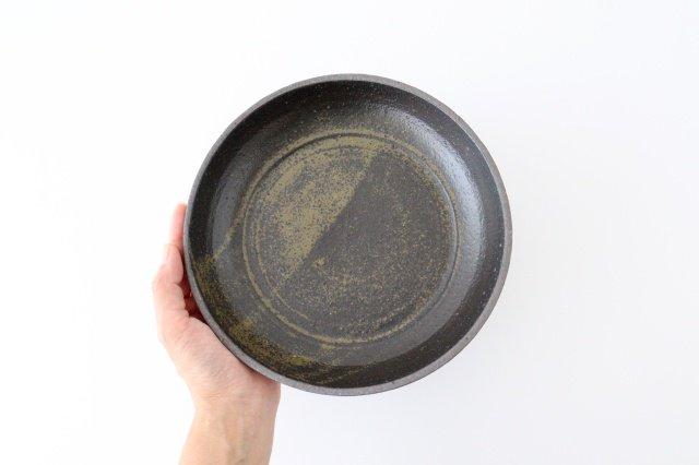 7寸リム皿 黒 陶器 寺田昭洋 画像3