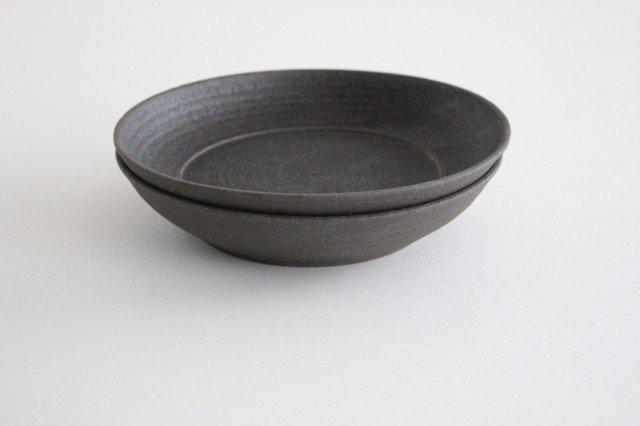 7寸リム皿 黒 陶器 寺田昭洋 画像4