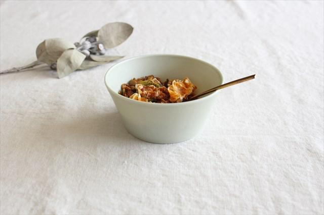 flat bowl ペールブルー 磁器 KANEAKI SAKAI POTTERY