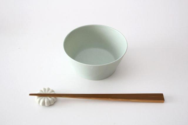 flat bowl ペールブルー 磁器 KANEAKI SAKAI POTTERY 画像3