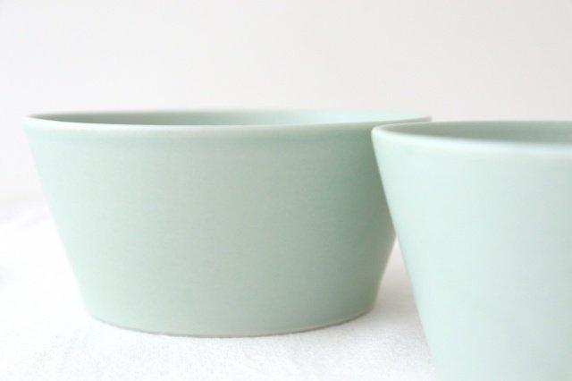 flat bowl ペールブルー 磁器 KANEAKI SAKAI POTTERY 画像4