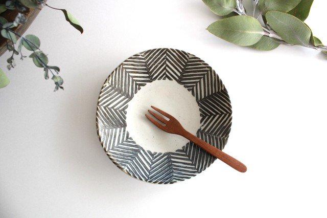 6寸丸皿 ヘリンボーン ブラウン 陶器 ORIME 波佐見焼