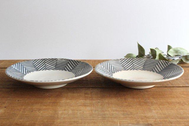 波佐見焼 ORIME ヘリンボーン 6寸丸皿 ブラウン 陶器  画像2