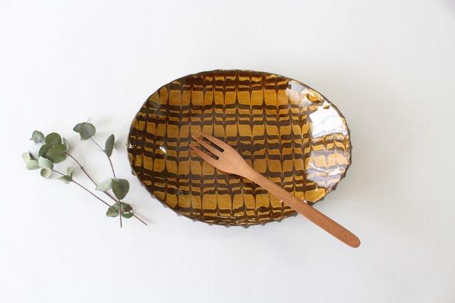 フェザーコーム オーバル皿 うす飴 陶器 佐川義乱