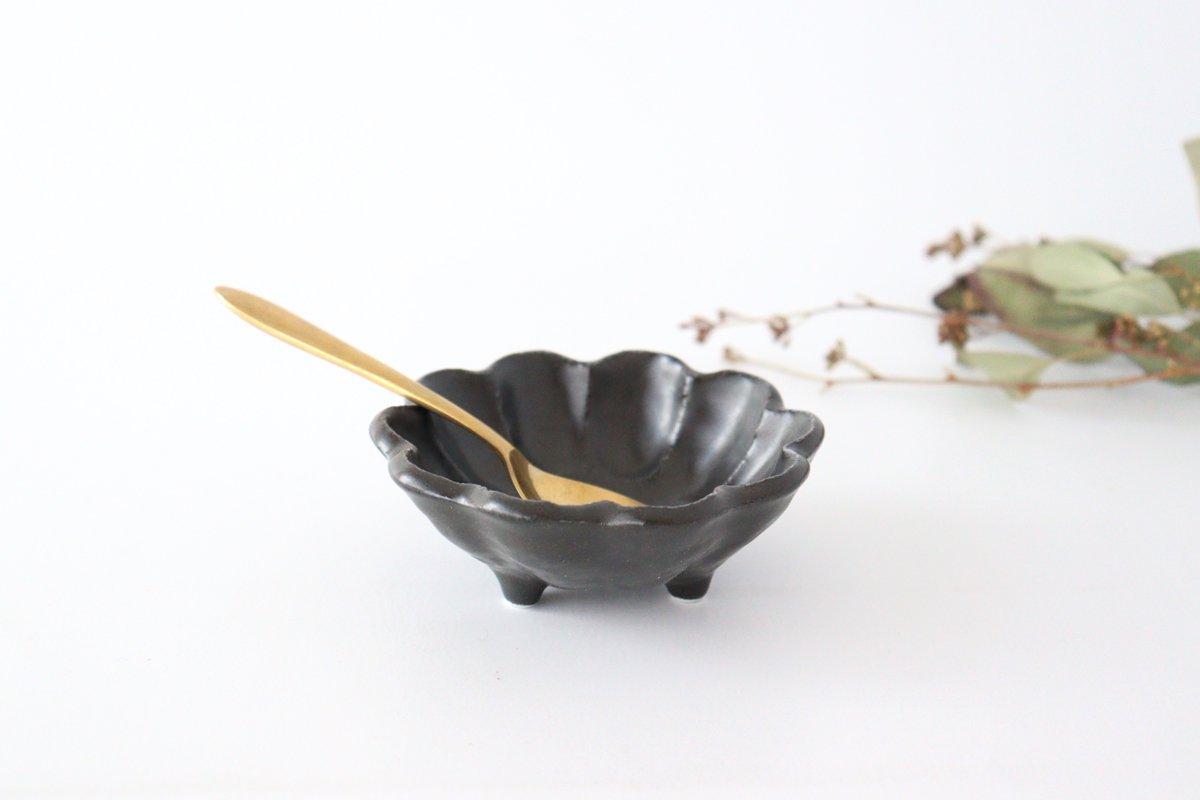 美濃焼 菊花 3寸小鉢 黒 磁器