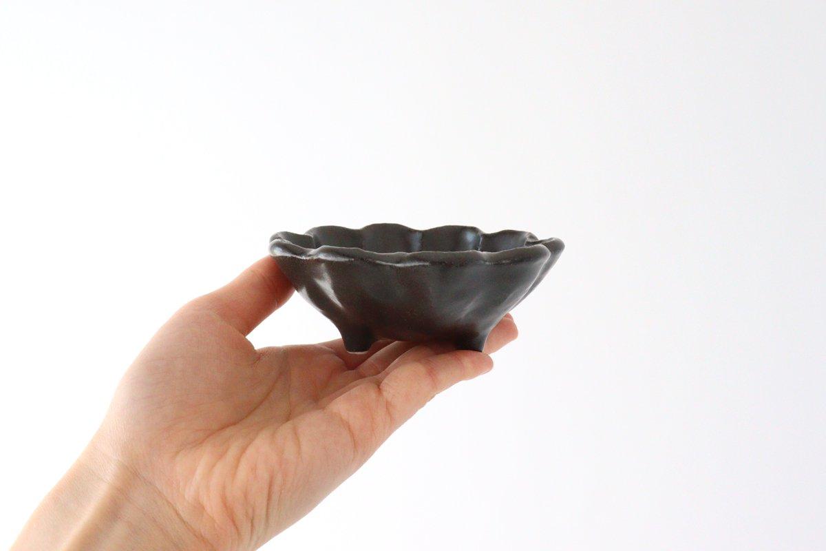 美濃焼 菊花 3寸小鉢 黒 磁器 画像2