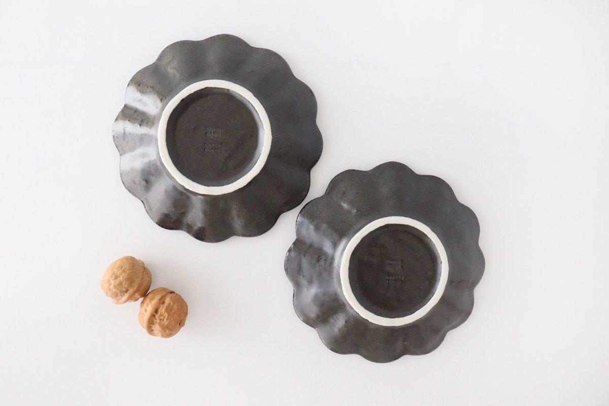 4寸皿 黒 磁器 菊花 美濃焼 画像3