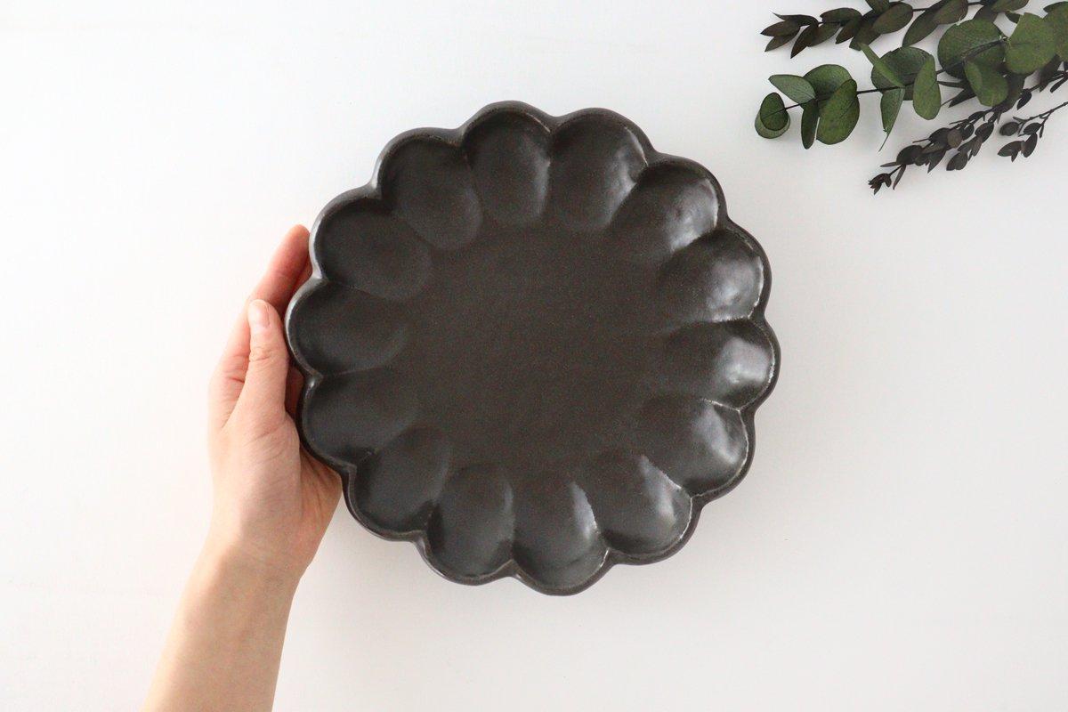 美濃焼 菊花 7寸皿 黒 磁器 画像4