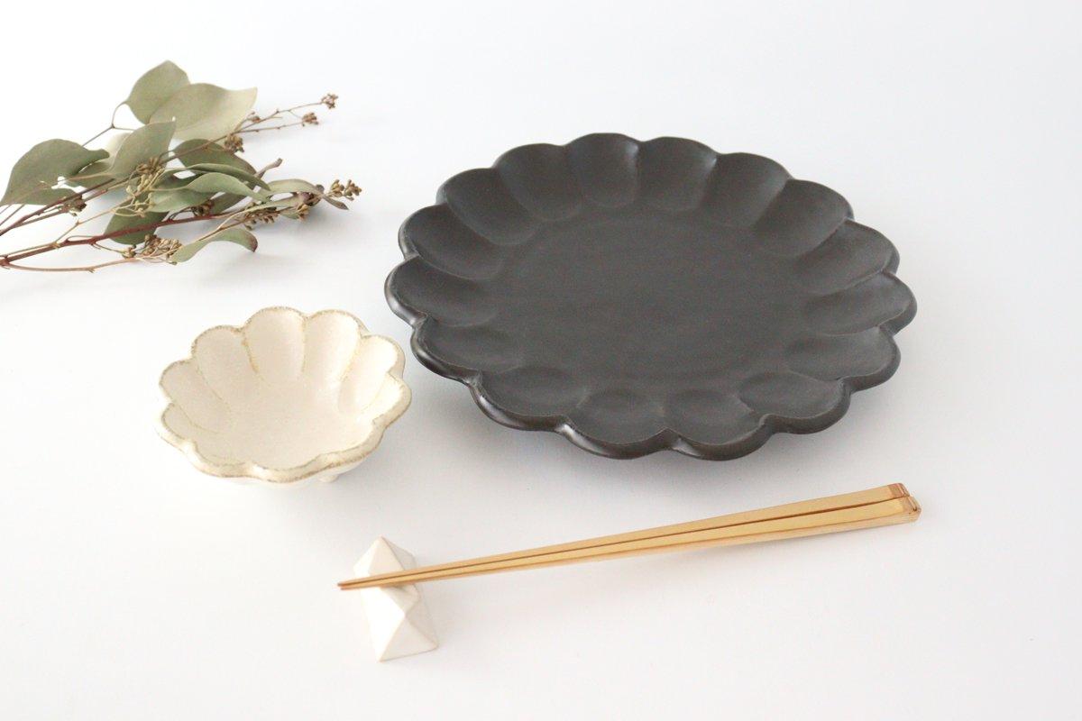 美濃焼 菊花 8寸皿 黒 磁器 画像4
