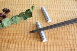 印判箸置き 豆絞り 磁器 東屋商品画像
