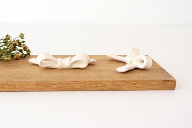 リボン箸置き 白 陶器 辻本路 画像5