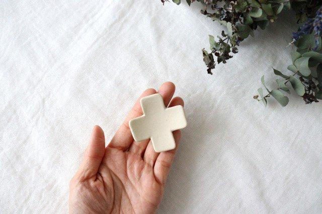 箸置き 十字型 白 陶器 辻本路 画像2