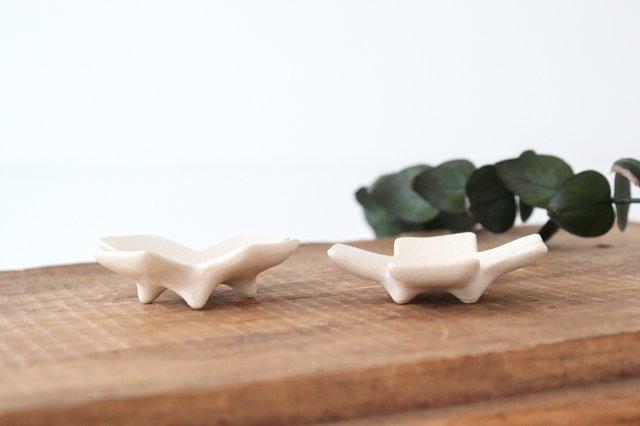 箸置き 十字型 白 陶器 辻本路 画像3