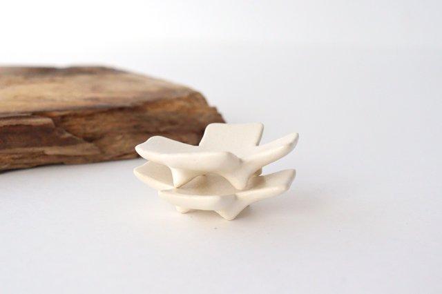 箸置き 十字型 白 陶器 辻本路 画像5