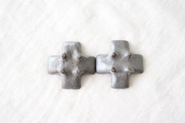 箸置き 十字型 ライトグレー 陶器 辻本路 画像5
