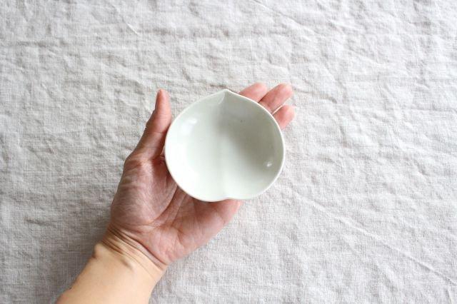 豆皿 土灰 桃 磁器 東屋 画像4