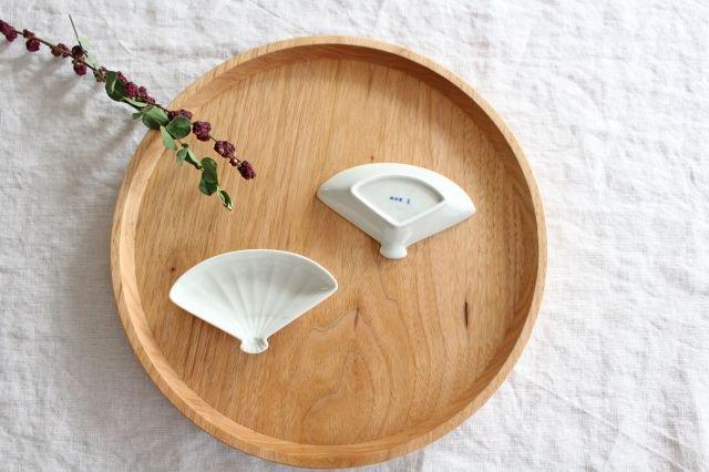 豆皿 土灰 扇 磁器 東屋 画像3
