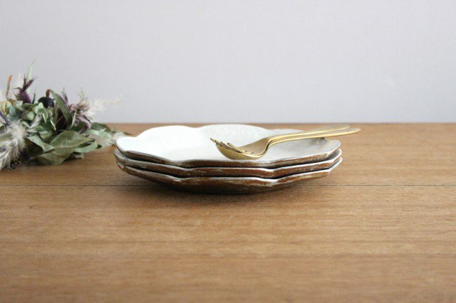 鉄散 輪花皿 中 陶器 古谷製陶所 画像2