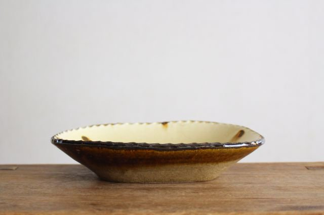 スリップウェア 楕円鉢 キャメル ドット 陶器 柳瀬俊一郎 画像2