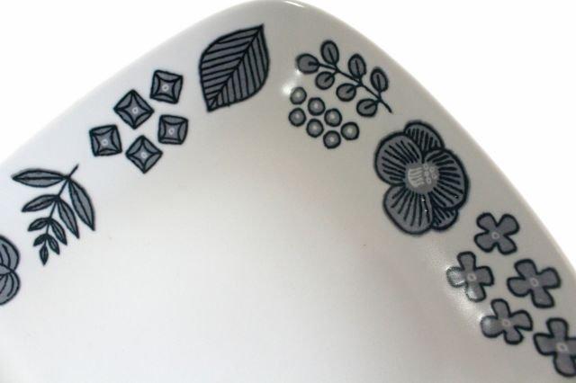 波佐見焼 Wreath On The Table レクタングルプレート グレー 磁器 画像2