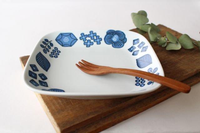 波佐見焼 Wreath On The Table スクエアプレート ブルー 磁器 画像2