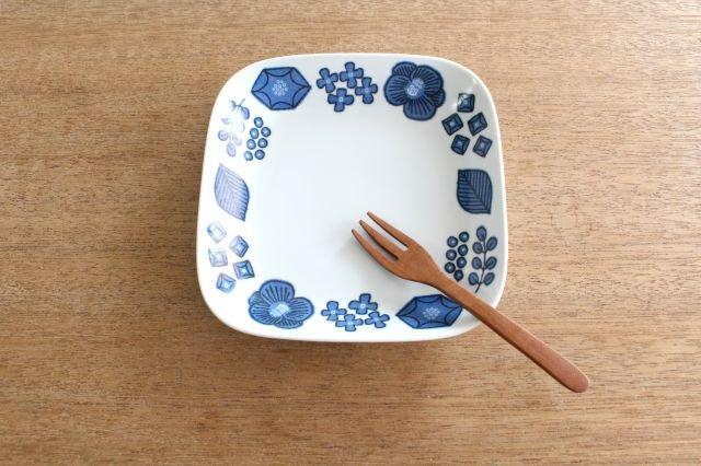 波佐見焼 Wreath On The Table スクエアプレート ブルー 磁器 画像5