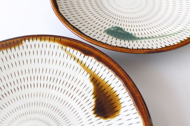 7寸皿 トビカンナ 飴縁内掛 陶器 小石原焼 画像2