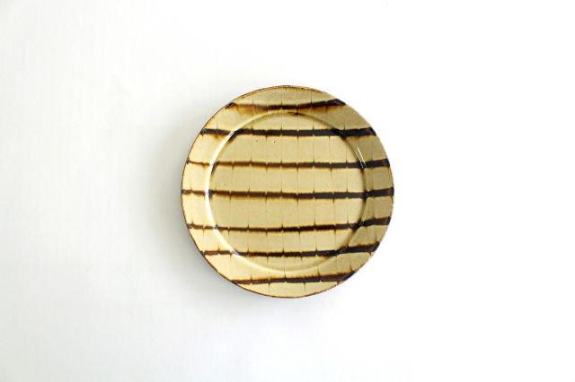 リム丸皿 中 フェザーコーム クリーム 陶器 紀窯