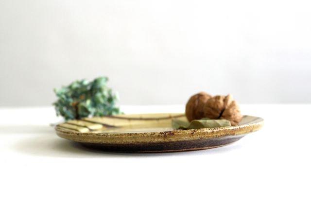 リム丸皿 中 フェザーコーム クリーム 陶器 紀窯 画像2