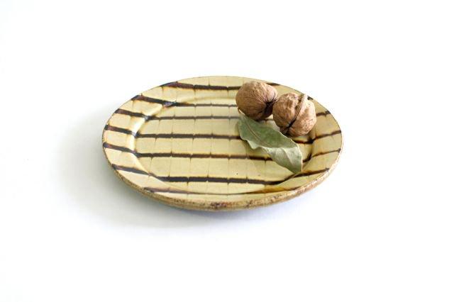リム丸皿 中 フェザーコーム クリーム 陶器 紀窯 画像5