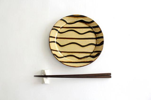 リム丸皿 中 波線棒線 クリーム 陶器 紀窯 画像4