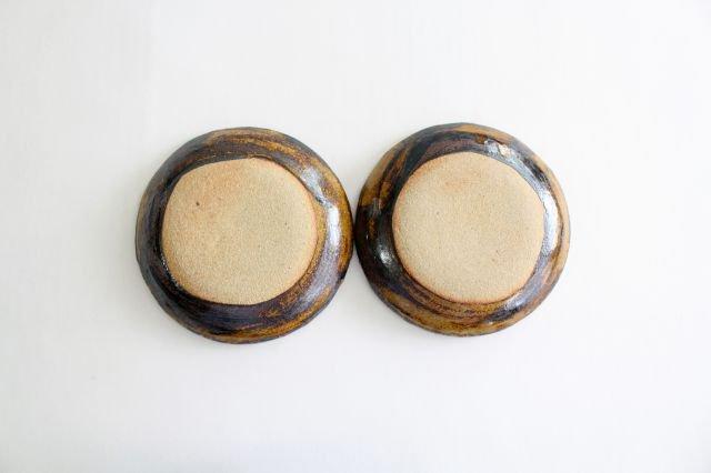 丸皿 中 ボアーズヘッド クリーム 陶器 紀窯 画像5