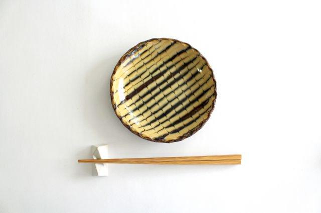 丸皿 中 フェザーコーム クリーム 【A】 陶器 紀窯 画像4