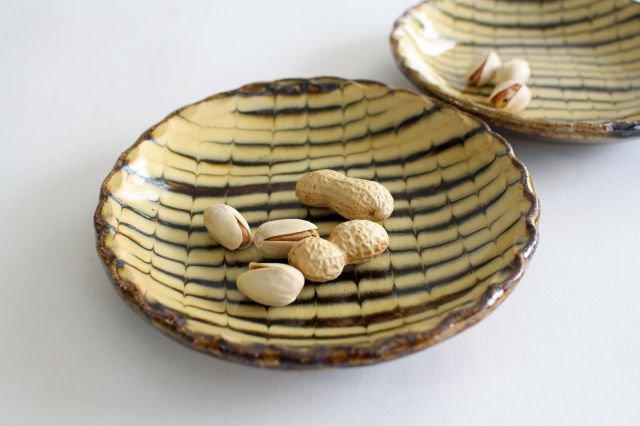 丸皿 中 フェザーコーム クリーム 【A】 陶器 紀窯 画像5