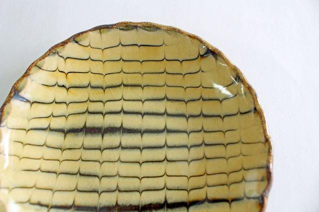 丸皿 中 フェザーコーム クリーム 【A】 陶器 紀窯 画像6