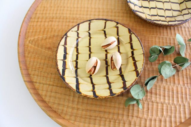 リム丸皿 豆 フェザーコーム クリーム 【B】 陶器 紀窯